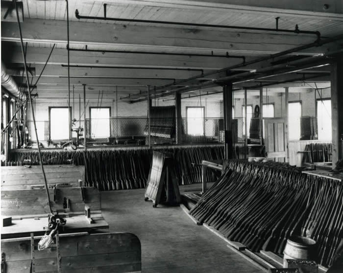 Interior view of the Ross-rifle factory - intérieur
